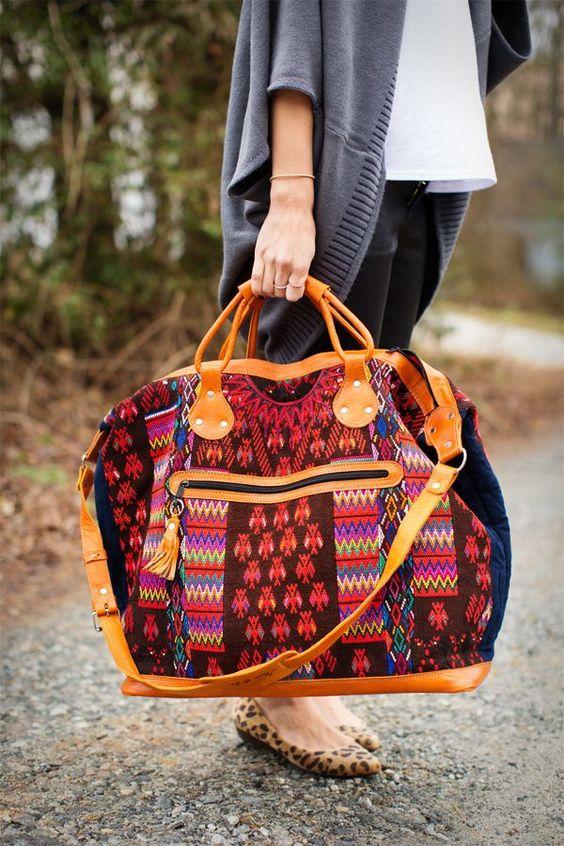 1f54890694 Voilà les critères à prendre en compte pour le sac d'une femme. Attention  aux sacs en simili qui sont souvent fragiles et risque de ne pas durer le  temps ...