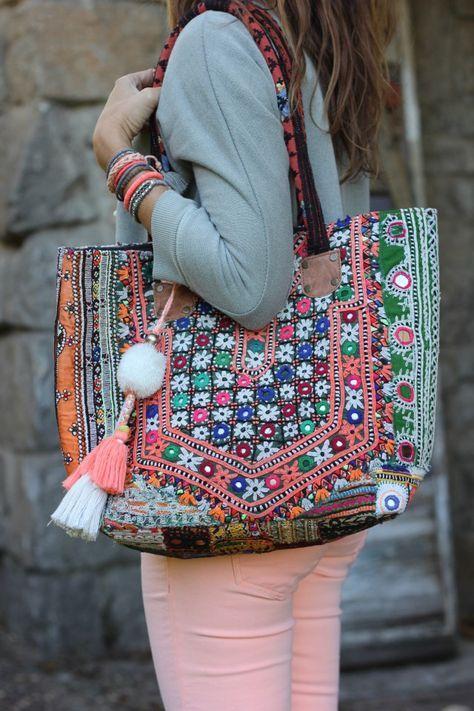 4003292889 ... avec une grande lanière, c'est un grand sac ethnique sac de cours  sacoche avec une multitude de rangements pour toutes vos affaires. Mais quel  sac pour ...