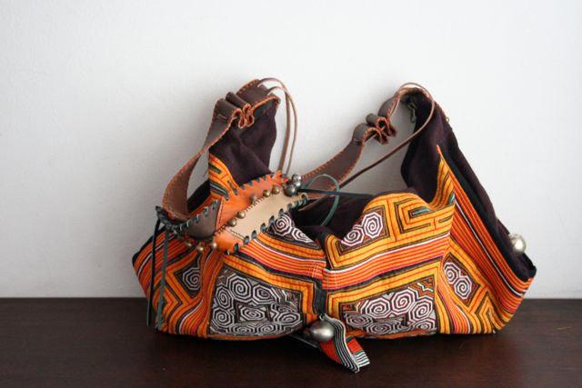 sac artisanal en cuir et tissu