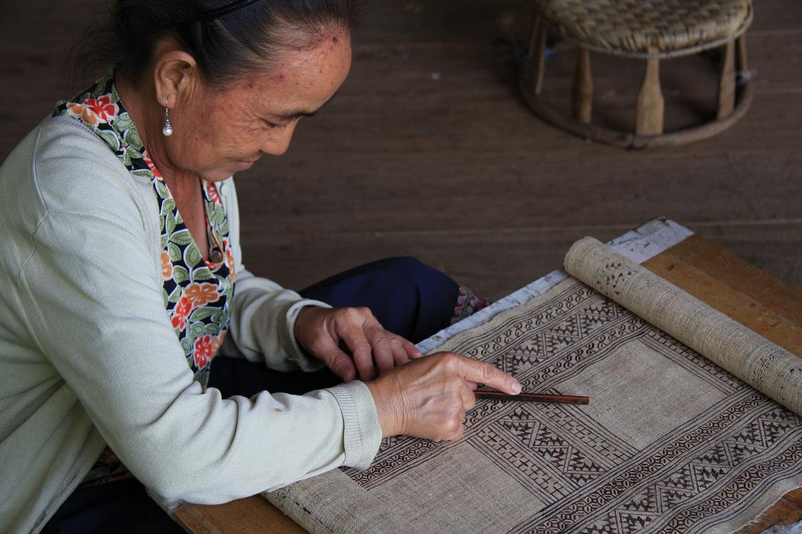 hmong batik tissu