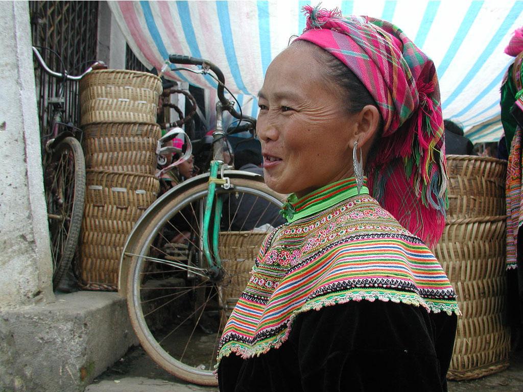 hmong femme
