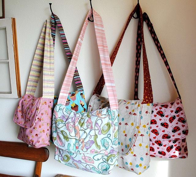 comment fabriquer un sac bandouli re. Black Bedroom Furniture Sets. Home Design Ideas