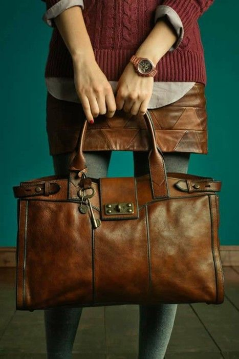 Redonner couleur un sac en cuir - Nettoyer un sac en cuir ...