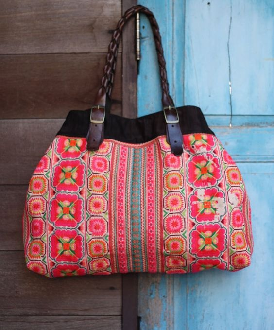 Un sac de la mode Folk