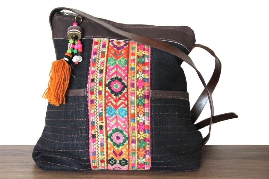 faa29d9d33 Avec votre sac large maxi size portez une robe bohème ou créateur ou bien un  slim avec des chaussures plates.En savoir plus sur quel sac femme pour ...