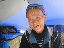 Craftmen du Vang Pao Messenger Bag